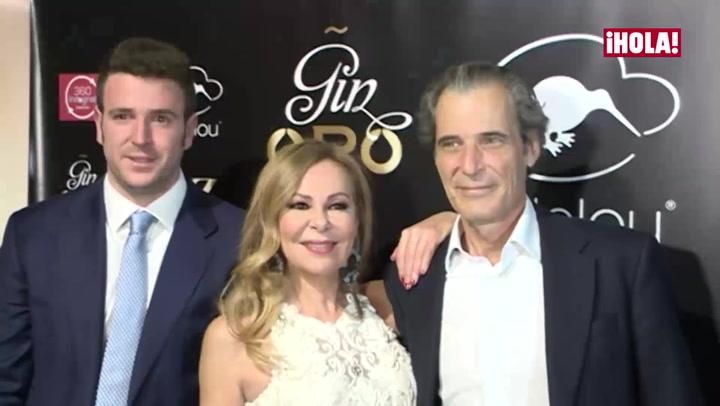 Alessandro Lequio Jr. reúne a sus padres en la presentación de su nuevo proyecto