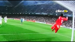 La espectacular atajada de Keylor Navas en el Betis-Madrid