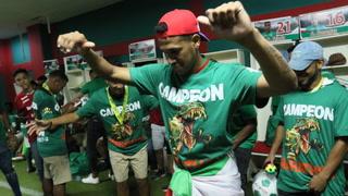Alegría, selfies y a ritmo de punta los jugadores de Marathón celebraron en el camerino