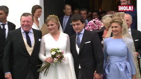 Desfile de invitados de lujo en la boda de la hija de César Cadaval