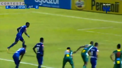 De lanzamiento penal, Rubilio Castillo anota el empate para Motagua
