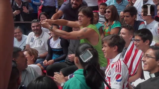 Matías Almeyda y la afición Chiva