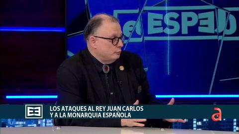 Cesar Vidal junto a Marian de la fuente conversan sobre los ataques al rey Juan Carlos
