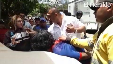 Ladrón se salva de ser linchado en el centro de Tegucigalpa