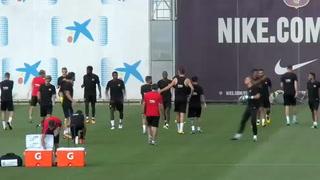 Valverde aprieta a Piqué en el entrenamiento