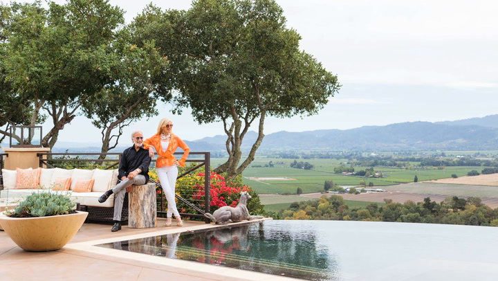 'California Couple's Hilltop Home' from the web at 'http://content.jwplatform.com/thumbs/pVlD2TF2.jpg'