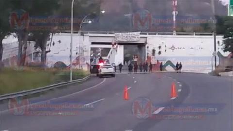 Horror: Asesinan y cuelgan en puente a tres hombres