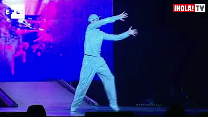 Michael Jackson, entre música y acrobacias del Circo del Sol