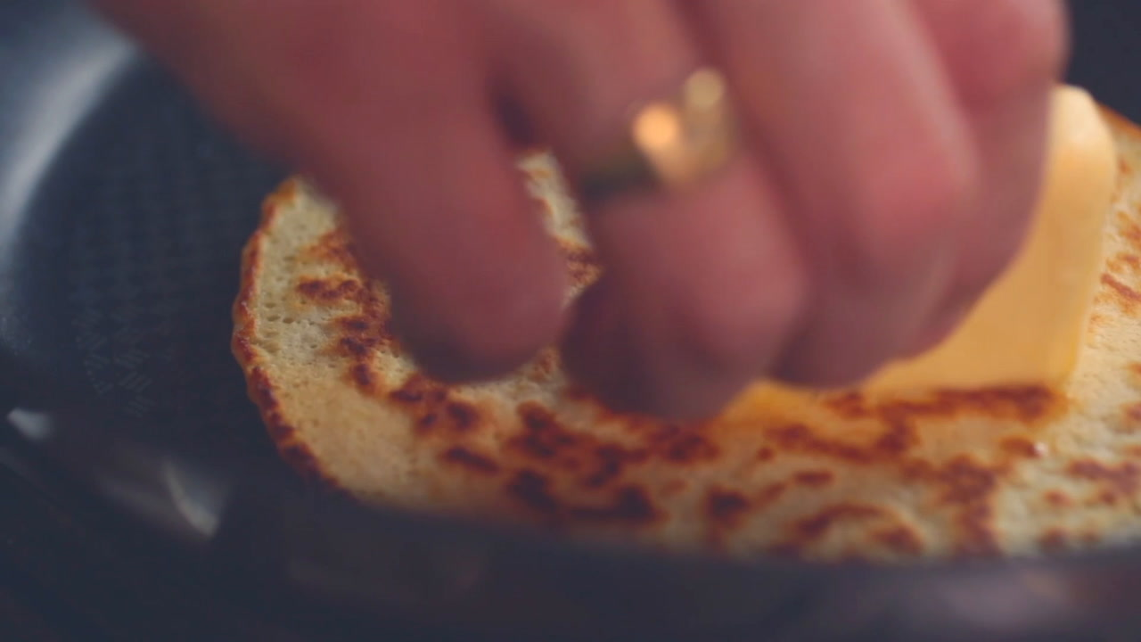 Jamie's perfect one-cup pancakes