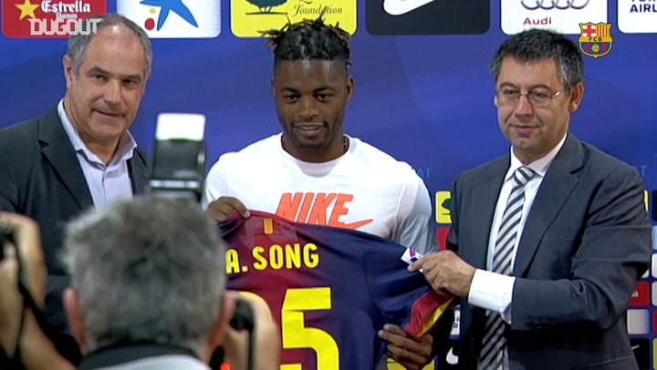 Best moments of Alex Song at Barça