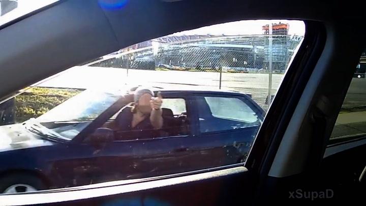 Sjåfør ble illsint da karma slo inn