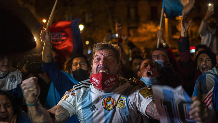 Barcelona se suma al dolor por Maradona
