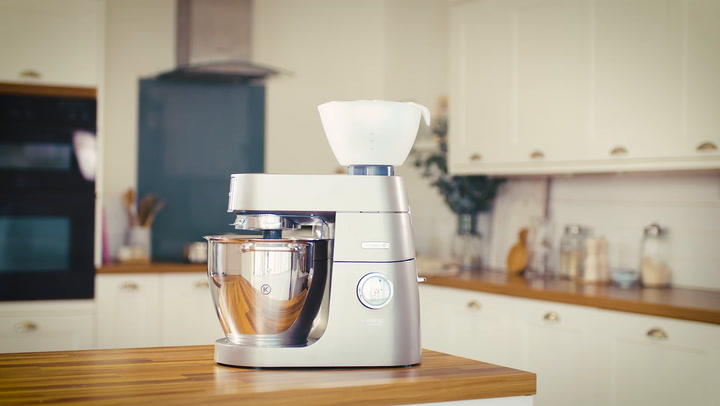 Preview image of Kenwood Chef & Chef Xl Stand Mixer Citrus Press video