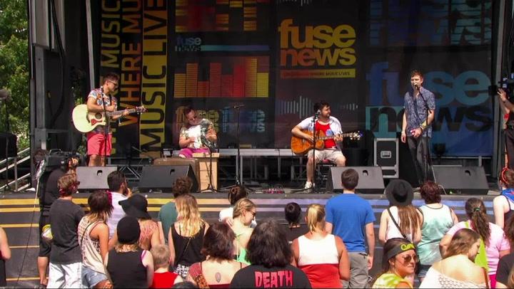 "Walk The Moon Performs ""Anna Sun"" at Bonnaroo 2013"