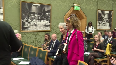 Margaret Atwood y Bernardine Evaristo ganan premio literario Booker Prize