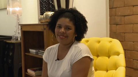 Mujeres golpeadas recuperan la sonrisa con dentistas voluntarios