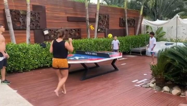 Thiago Silva se divierte en familia durante la cuarentena