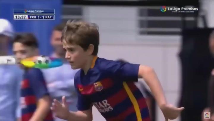 Así juega 'Gavi', ¿el futuro Xavi o Iniesta del Barça?