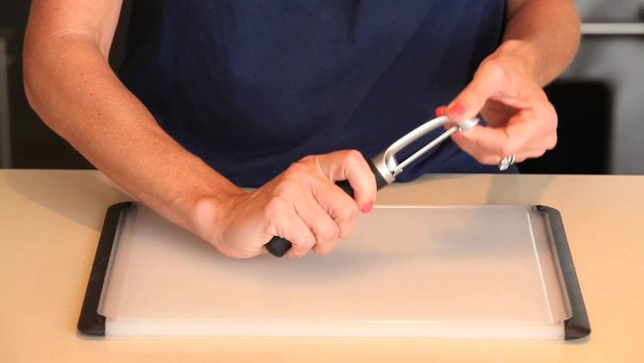 Preview image of OXO Pro Swivel Peeler video