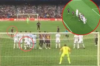 Video: 'Chucky' Lozano y su peculiar gesto previo al golazo de Messi