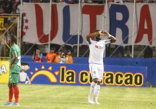 Dobletes de Pinto y Benguché y Olimpia humilla a Marathón en el Nacional