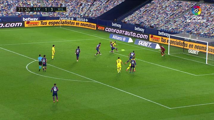 Gol de Vezo (p.p.) (1-4) en el Levante 1-5 Villarreal