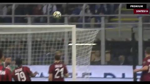 Icardi se despachó con un hat-trick en el clásico entre Inter y Milan