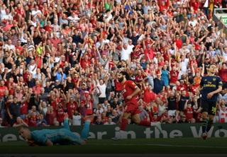 El Liverpool barre al Arsenal y es el único con pleno de victorias en Inglaterra