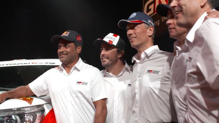 Así ha sido la presentación del equipo Toyota Gazoo para el Rally Dakar 2020 con Fernando Alonso