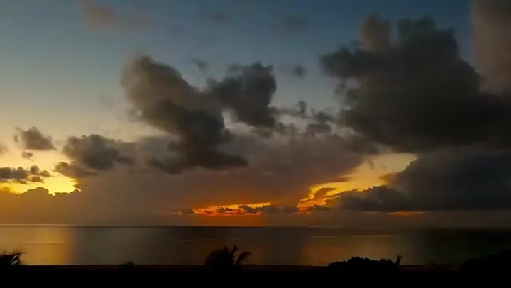 Time-lapse shows stormy morning along Florida coast