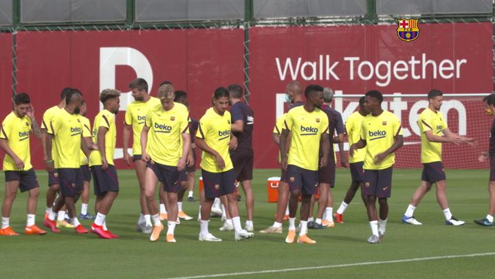 Último entrenamiento del FC Barcelona antes de viajar a Lisboa