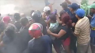 Pobladores linchan a personas a las que acusaban de robar niños