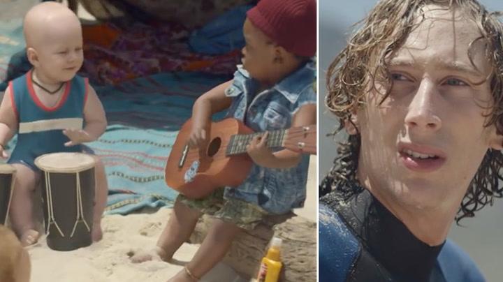 På denne stranden er alle babyer