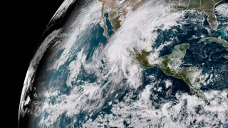 Poderoso huracán Willa, categoría 5, ya afecta costas mexicanas