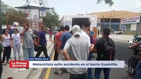 Motociclista sufre accidente en el barrio Guamilito de San Pedro Sula