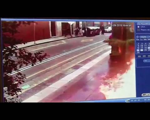 Arrojaron bombas molotov contra un edificio de Gendarmería nacional