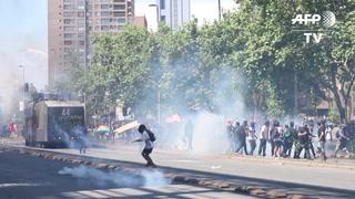 Las protestas no ceden en Chile, con tercer día de toque de queda