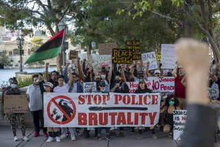 Protest against police brutality marches down Las Vegas Strip – VIDEO