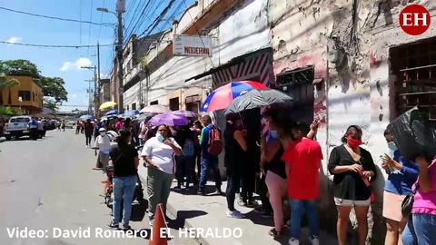 Honduras: Aplican vacuna contra el coronavirus en escuela Estados Unidos