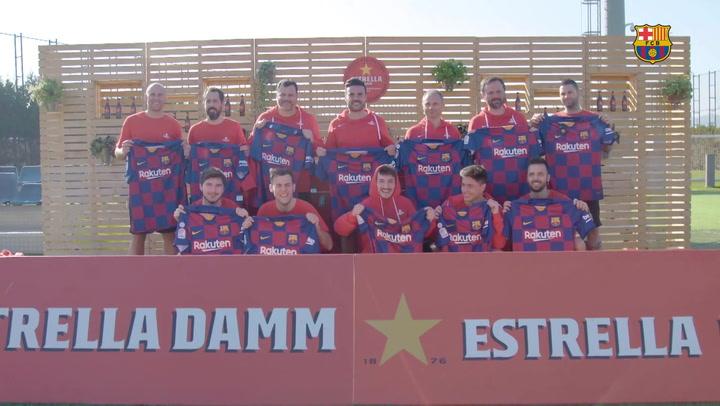 Sergi Roberto, en el reto con aficionados de Estrella Damm y el Barça