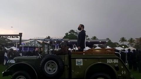 Bukele agradece a ejército por proteger a El Salvador de