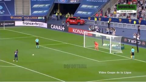 Keylor Navas tapa un penal y da al PSG el título de la Copa de la Liga