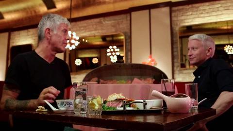 Encontraron muerto en París al famoso cocinero Anthony Bourdain