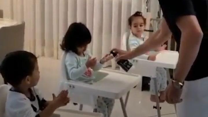 Cristiano Ronaldo y Georgina Rodríguez enseñan a los niños a lavarse las manos con un divertido ritual
