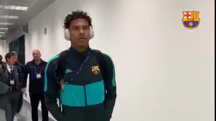 Todibo, Aleñá y Riqui Puig llegan al estadio Giuseppe Meazza del Inter