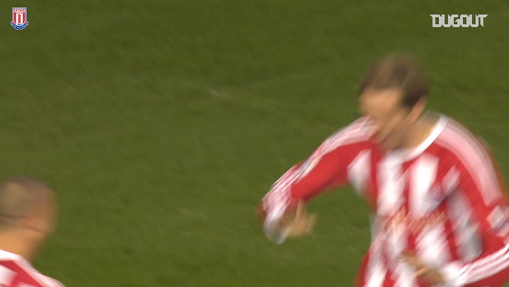 Crouch scores one of the all-time great Premier League goals against Man City