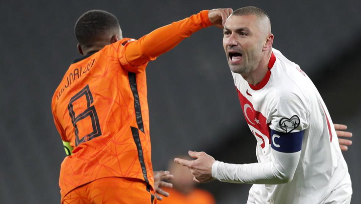 4-2: Yilmaz se viste de héroe ante los Países Bajos con un hat-trick estelar