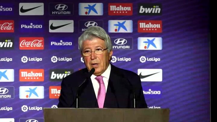 Cerezo, presidente del Atlético, manda otro 'recadito' a Griezmann durante la presentación de Joao Félix