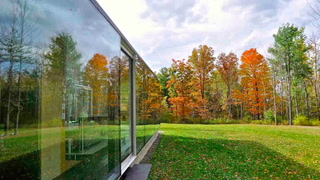 Live Like Nobody's Watching in This NY Glass Home