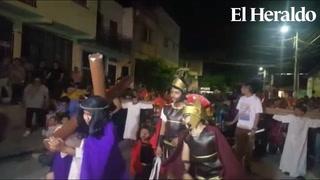 Tegucigalpa: Niños reflejan el rostro de Jesús en Vía Crucis